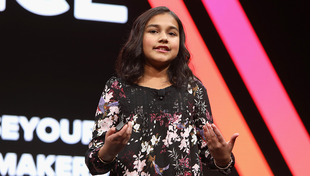 Gitanjali Rao speaks onstage during The 2018 MAKERS Conference at NeueHouse Hollywood on February 6, 2018 in Los Angeles, California | Photo: Rachel Murray/Getty Images for MAKERS