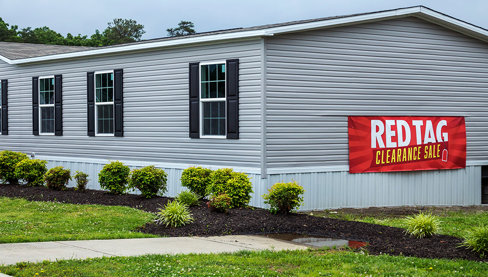 Virginia, Fredericksburg, Clayton Homes, modular homes for sale, red tag clearance.   Photo: Jeffrey Greenberg/ Getty Images