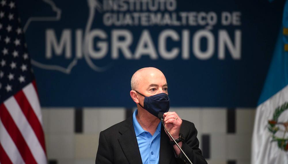 El Secretario de Seguridad Nacional de Estados Unidos, Alejandro Mayorkas. EFE/ Edwin Bercián/Archivo