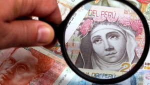 Billetes peruanos. | Photostock