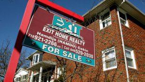 La plataforma de anuncios de alquiler Zumper reveló que el alquiler promedio de los apartamentos de una habitación en Nueva York se elevó en agosto hasta los 2.810 dólares, ligeramente más que en San Francisco (2.800) y superándola por primera vez desde 2014. EFE/Justin Lane/Archivo