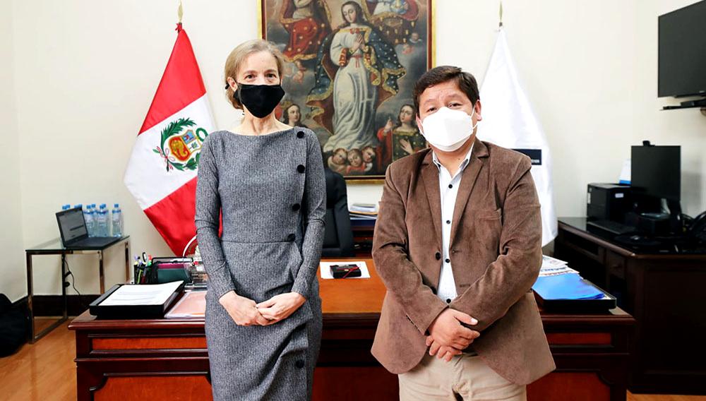 Premier Guido Bellido Ugarte se reunió con la embajadora de Estados Unidos en Perú, Lisa Kenna. Foto: U.S. Embassy in Peru.