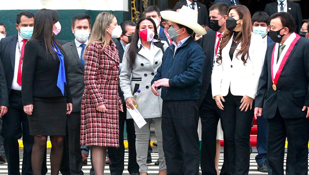 El presidente Pedro Castillo llega a la sede del Congreso y se reúne con la Mesa Directiva de ese poder del Estado. Foto: ANDINA/Jhony Laurente
