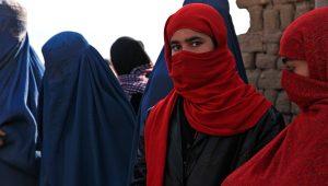 PHOTO: Afghan girl in burqa. | pixy.org