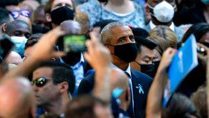 El expresidente Barack Obama antes de las ceremonias para conmemorar el vigésimo aniversario de los ataques terroristas del 11 de septiembre, en el Museo y Memorial Nacional del 11 de septiembre en Nueva York. (Foto AP / John Minchillo)