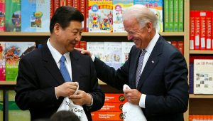 Xi Jinping and Joe Biden met in Los Angeles in 2012 when both were vice-presidents of their respective countries © David McNew/Reuters