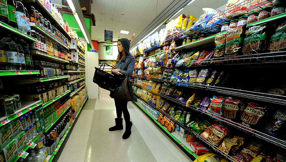 La mayoría de analistas esperaba una tasa anual de inflación del 5,3% en septiembre. Fotografía de archivo. EFE/Justin Lane
